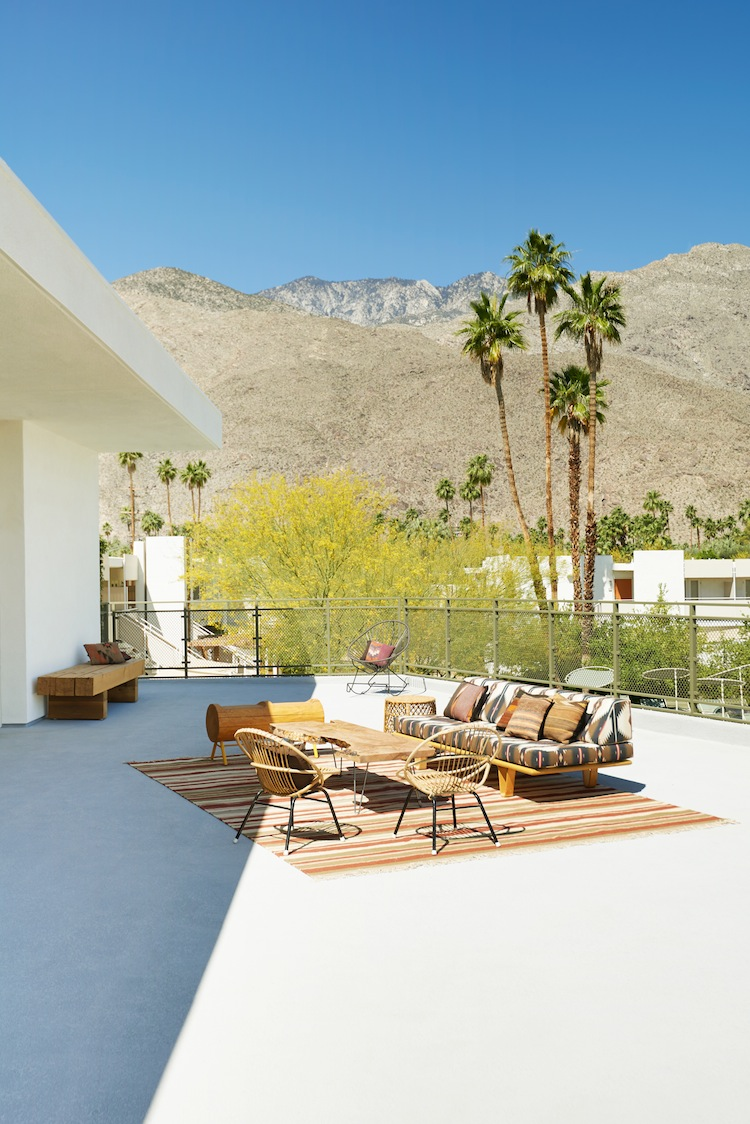 Palm springs the ace hotel way to reviving desert for Mid century modern furniture palm springs